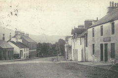 looking to Dungoyne